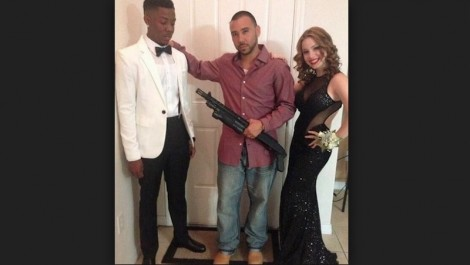 Bad Prom Photos 17